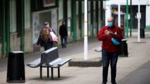 Rebrotes de coronavirus probablemente serán recurrentes en el futuro: jefe de ciencias británico