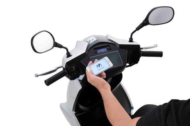 Japan's Terra Motors to introduce electric scooter with iPhone connection
