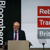 Socialist Corbyn heads to victory over divided UK Labour