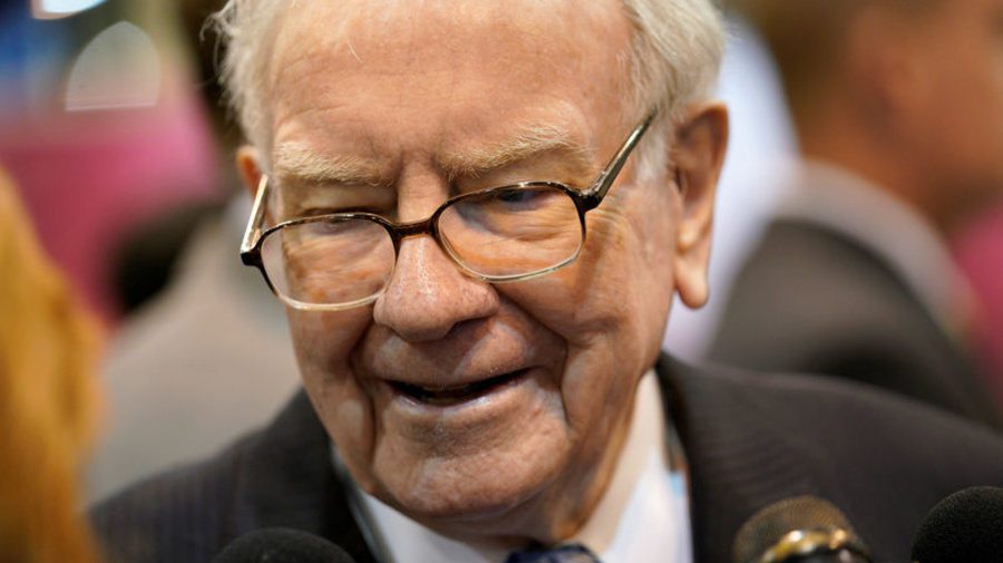 Here's how much Buffett has made on Apple