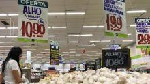 Preços de alimentos têm queda e IGP-10 desacelera alta a 0,49% em junho, diz FGV