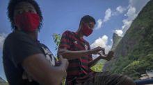 Covid-19 au Brésil : les jeunes, cibles de choix pour le variant brésilien