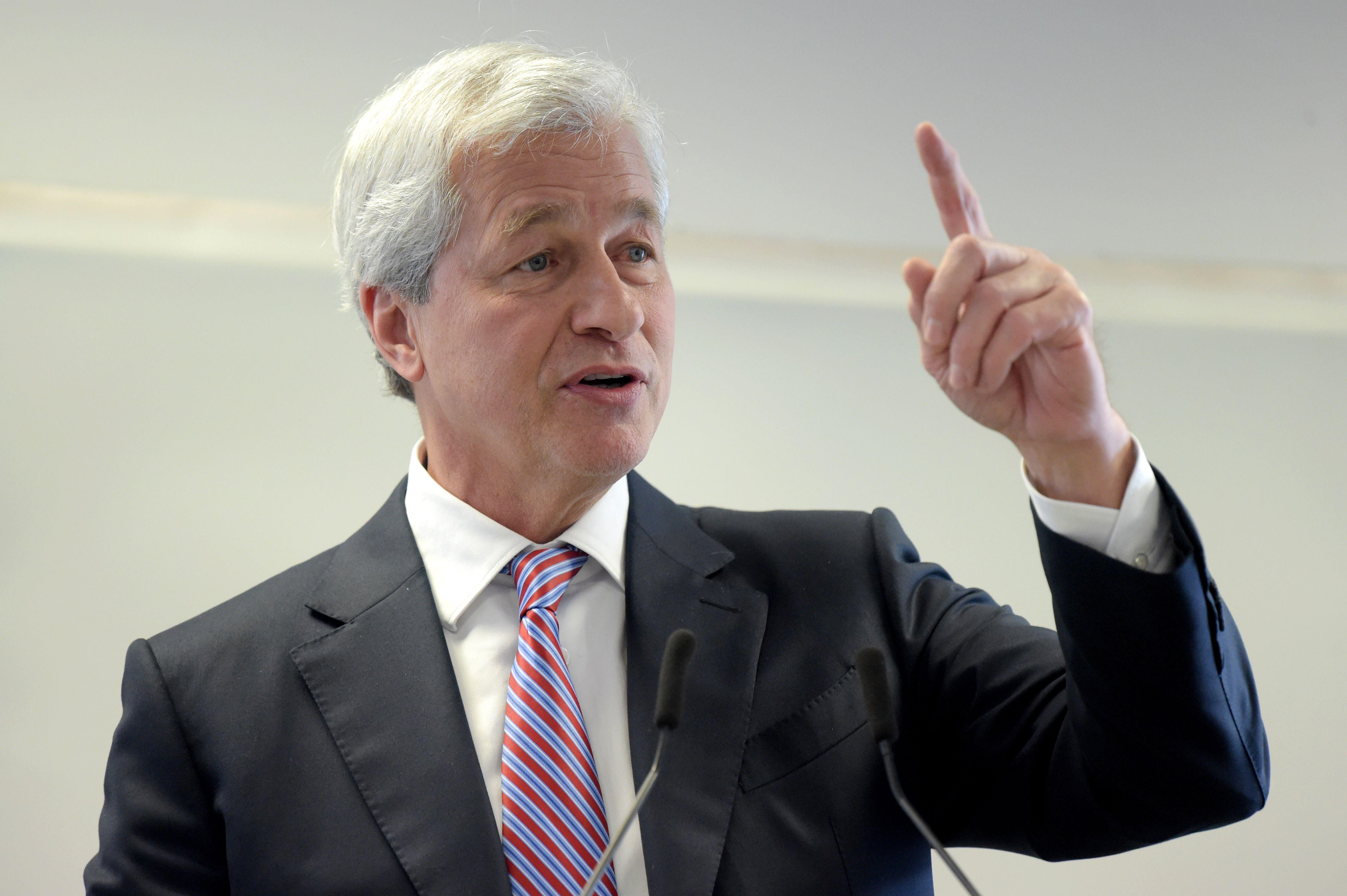 JPMorgan can handle GDP falling at a 35% rate: Dimon