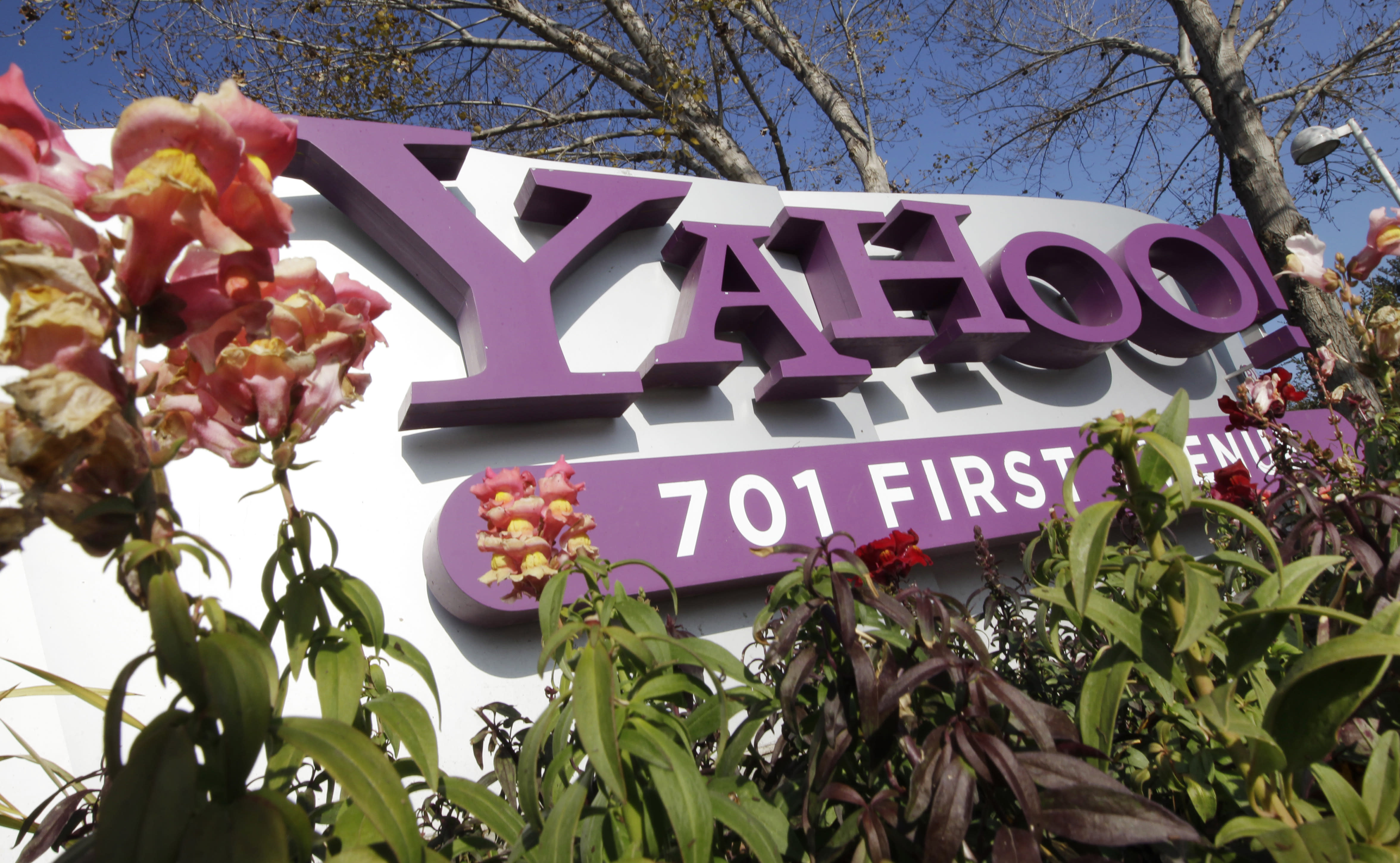 FILE - In this Jan. 4, 2012 file photo, the company logo is displayed at Yahoo headquarters in Sunnyvale, Calif. One of Britain's youngest Internet entrepreneurs has hit the jackpot after selling his top-selling mobile application Summly to search giant Yahoo the company announced Monday March 25, 2012. (AP Photo/Paul Sakuma, File)