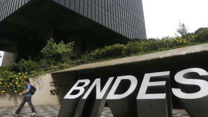 Paulo Guedes escolhe novo presidente do BNDES
