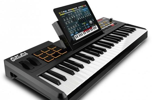 Akai SynthStation49 dock / giant keyboard combo is less portable than its predecessor