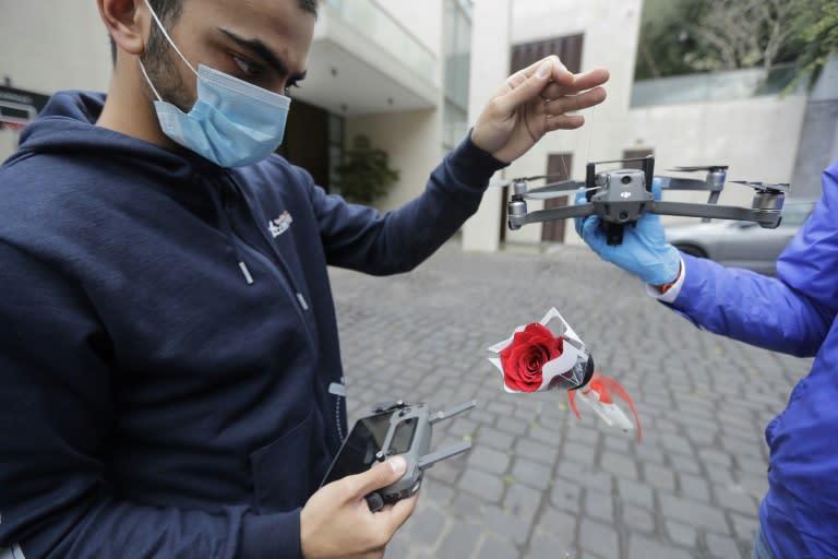 Slikovni rezultat za mothers day in lebanon drones roses