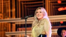 Kelly Clarkson to Fill in for Simon Cowell on 'America's Got Talent' After His Back Surgery