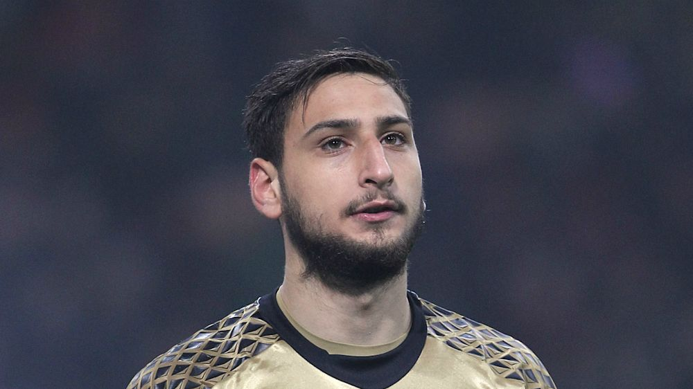 Montella defends Donnarumma after howler means draw for Milan