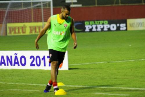 Autor do único gol do Vitória, José Welison comemora vaga na semifinal