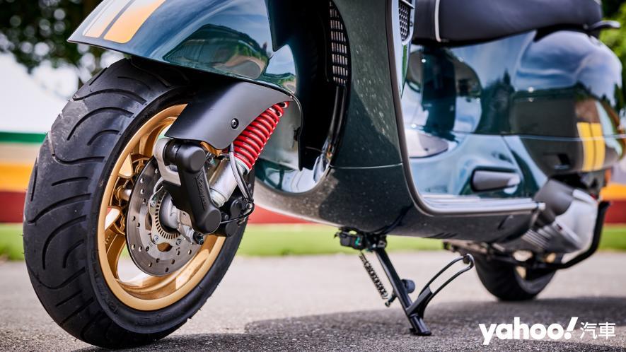 自由誠可貴的二輪時光機!2020 Vespa GTS 300 Racing Sixties城郊試駕! - 9