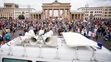Corona-Newsblog Berlin: Oberverwaltungsgericht: Demo gegen Corona-Politik erlaubt