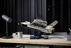 Lego unveils a Space Shuttle Discovery and Hubble Telescope set