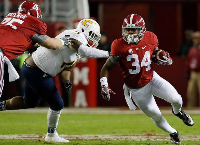 Damien Harris rushed for 91 yards and a touchdown in Alabama's victory over Chattanooga. (Getty)