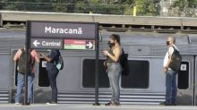 Trens e metrô têm lotação ampliada para 60%; ônibus intermunicipais podem levar passageiros em pé