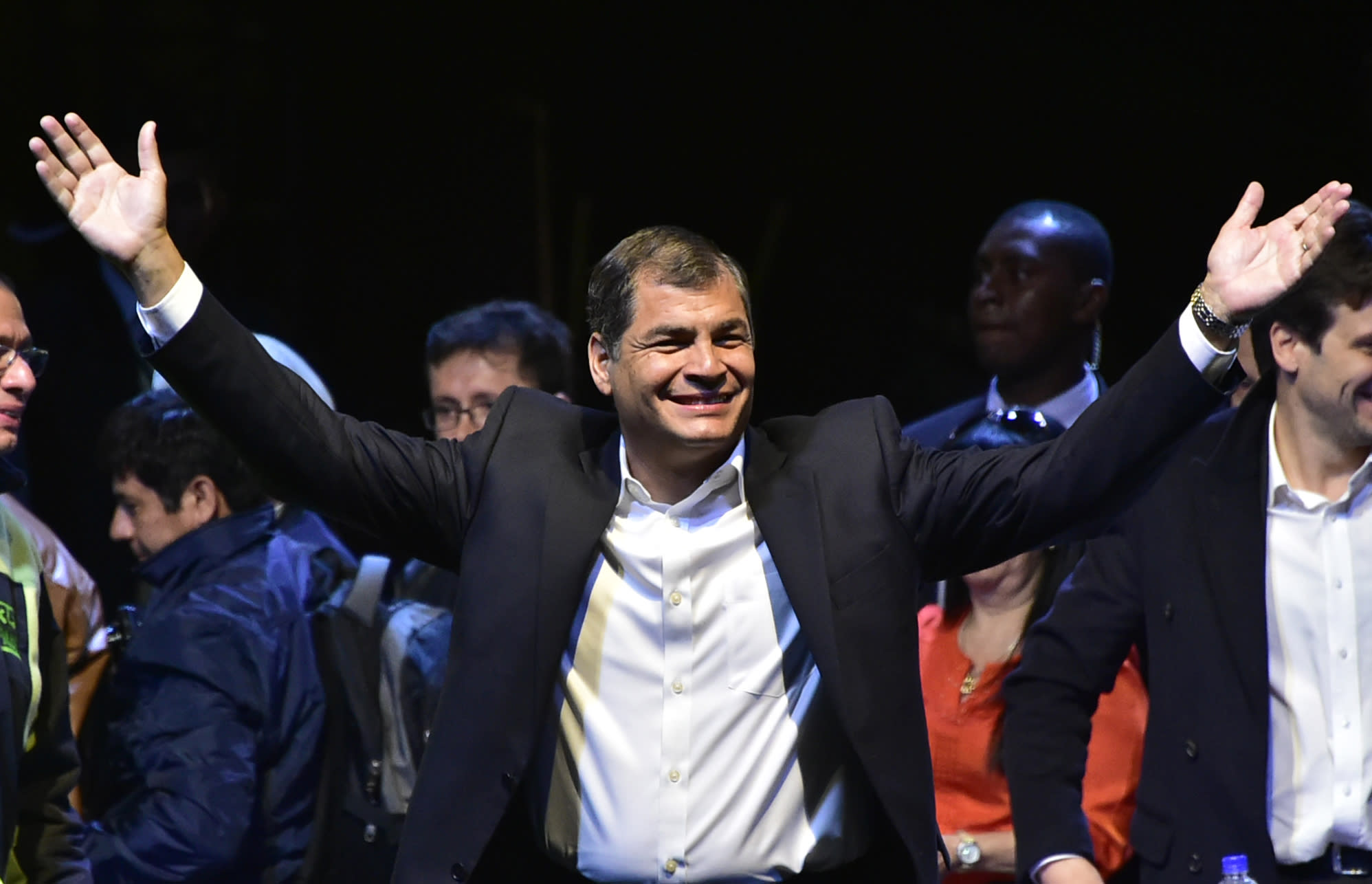 Ecuador's Constitutional Court has given lawmakers the green light to set new rules on term limits that would allow President Rafael Correa to extend his rule beyond 2017
