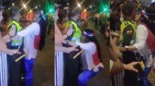 VIDEO   El acoso a un policía por parte de una mujer que causa polémica e indignación