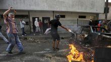 LO ÚLTIMO: Presuntos militares apoyan a oposición venezolana