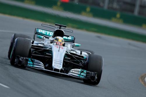 Lewis Hamilton partira en pole à Melbourne