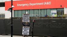 Reino Unido ronda los 1.000 fallecidos en un día por coronavirus