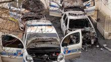 Villejuif : quatre voitures de la police municipale incendiées dans la cour de la mairie