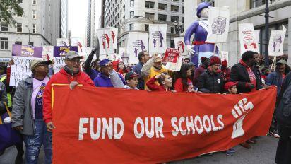 Massive teachers strike shuts Chicago schools