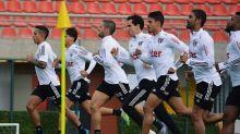 São Paulo abre o sábado de treinos durante concentração no CT de Cotia