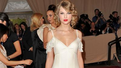Taylor Swift On Her New CoverGirl Gig: 'I'm So Excited'