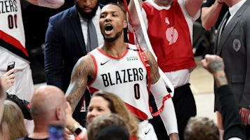 Hot Dame! Blazers advance on Lillard's dagger