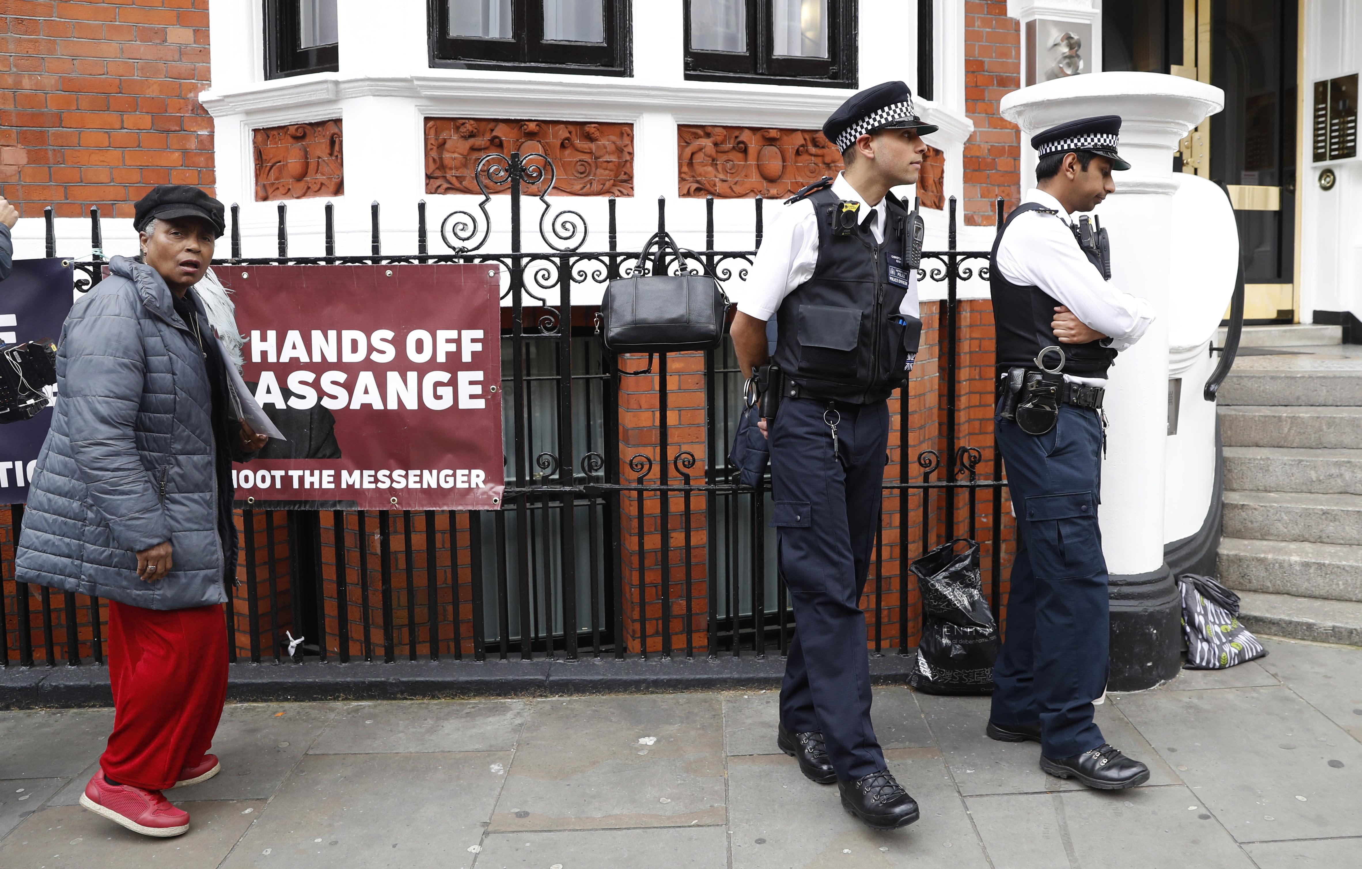 Battle Breaks Out For WikiLeaks Founder Assange U0026 39 S Computers