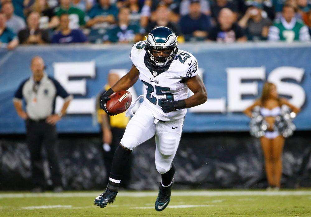 McCoy has sights set on 2,000 yards rushing