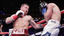 Alvarez belts Fielding to win world title