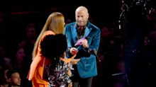 John Travolta mistakes drag artist for Taylor Swift at VMAs
