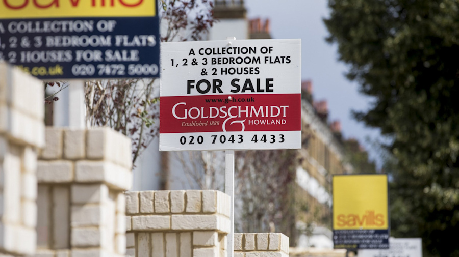 Home sellers could lose tens of thousands of pounds using quick-sale estate agents, Trading Standards warns