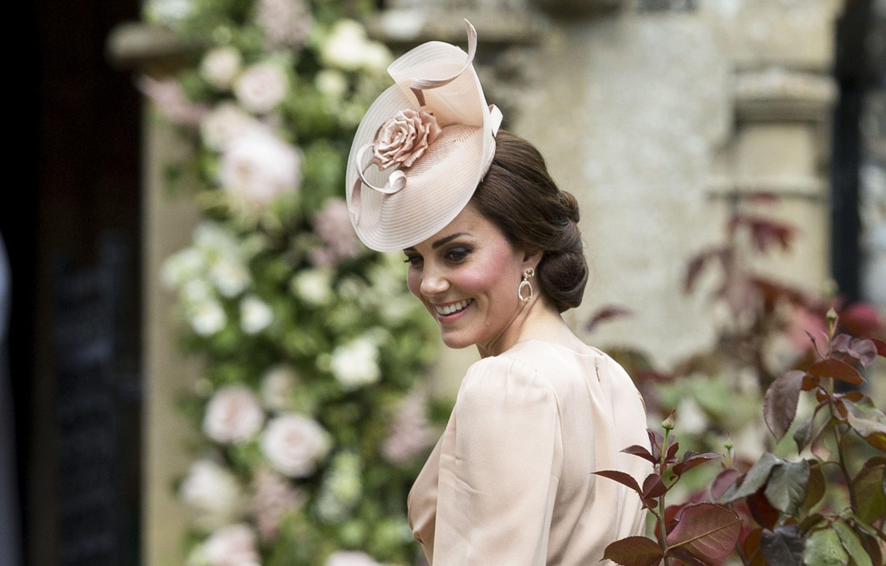Hats and Fascinators to Wear to Royal Wedding fa9f134deb3