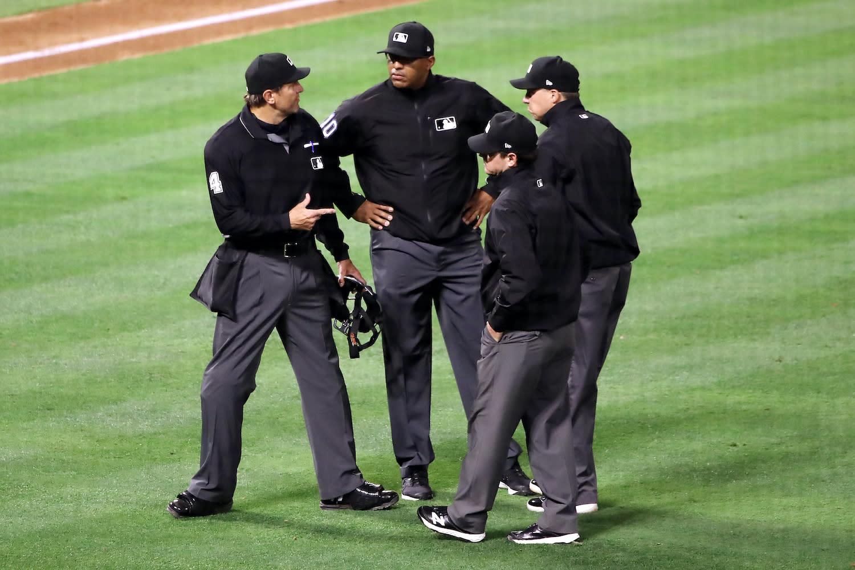 FTX Strikes Sponsorship Deal With MLB, Umpires to Wear Crypto Exchange's  Logo