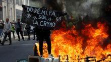 Paris vive sábado tenso com novas manifestações de 'coletes amarelos'