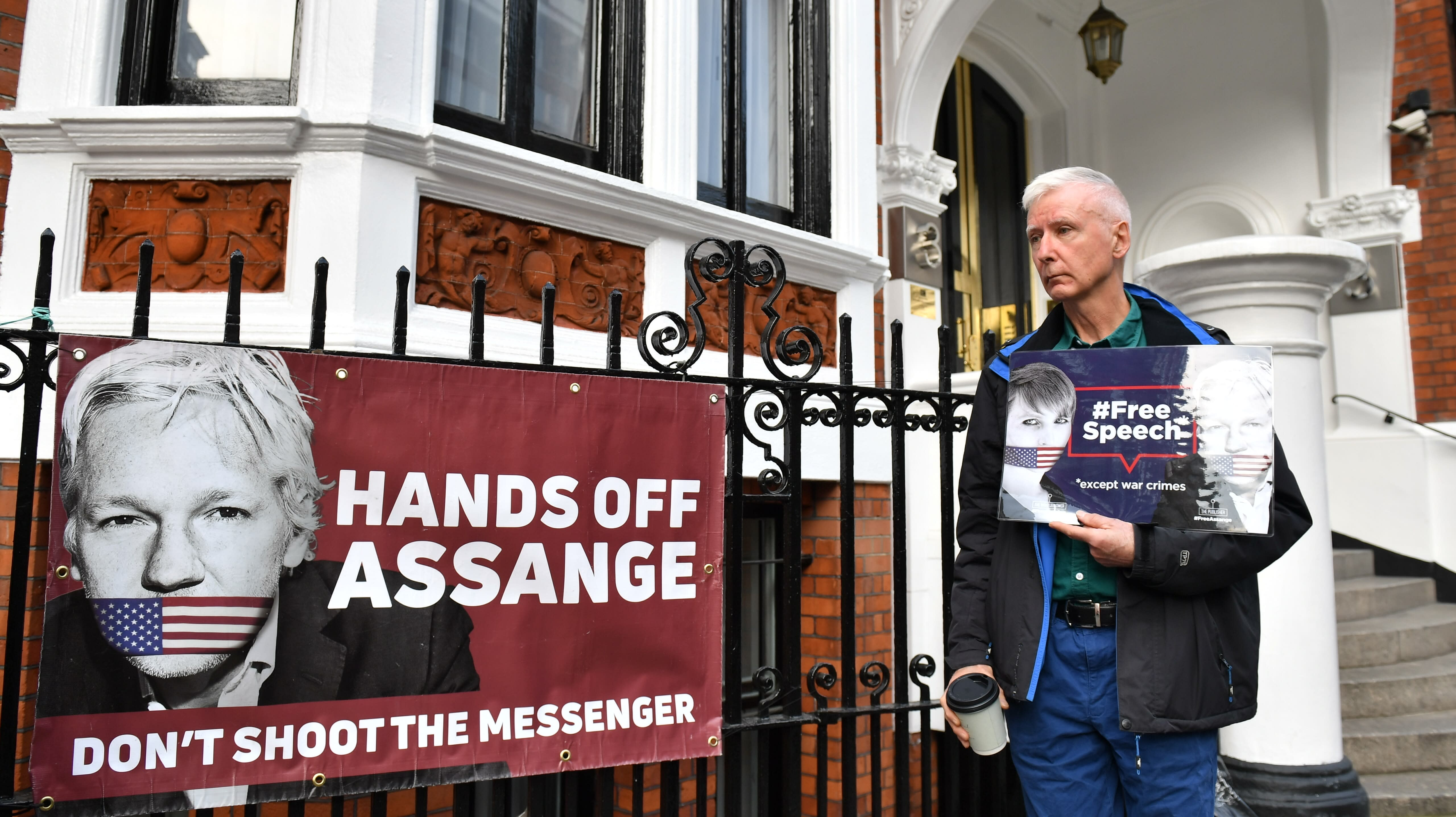 Swedish Prosecutors File Request To Detain Julian Assange