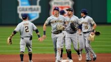 Cardinals, Brewers split doubleheader amid playoff chase