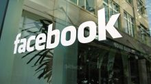 Facebook Falls to Key Support Amid Privacy Concerns