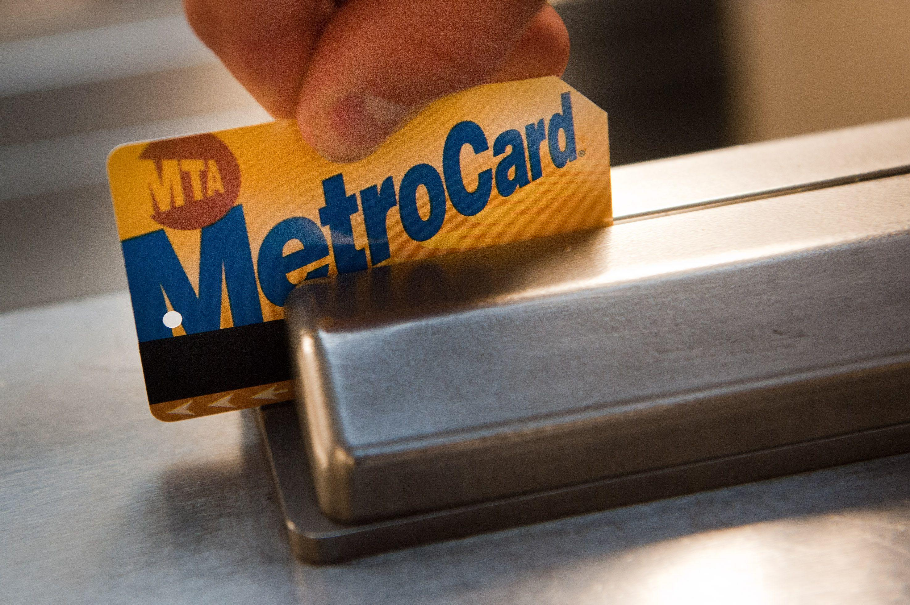 Cuomo warns of MTA fare and toll hikes if Congress doesn't approve federal funds