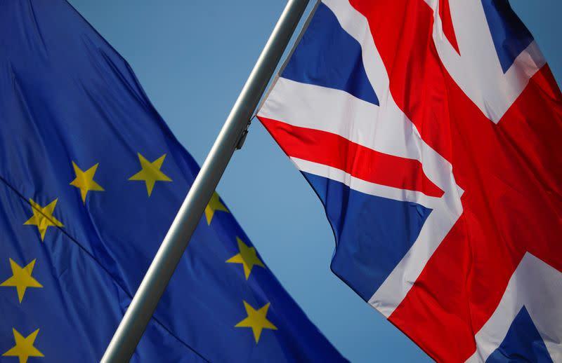 Senior UK diplomat resigns over Brexit 'half-truths'