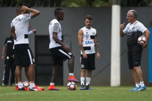 Santos faz último treino no CT, e Dorival define time para estreia