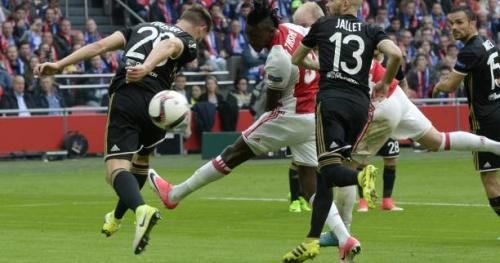 Foot - C3 - Vidéo : l'ouverture du score de Bertrand Traoré (Ajax) contre l'OL