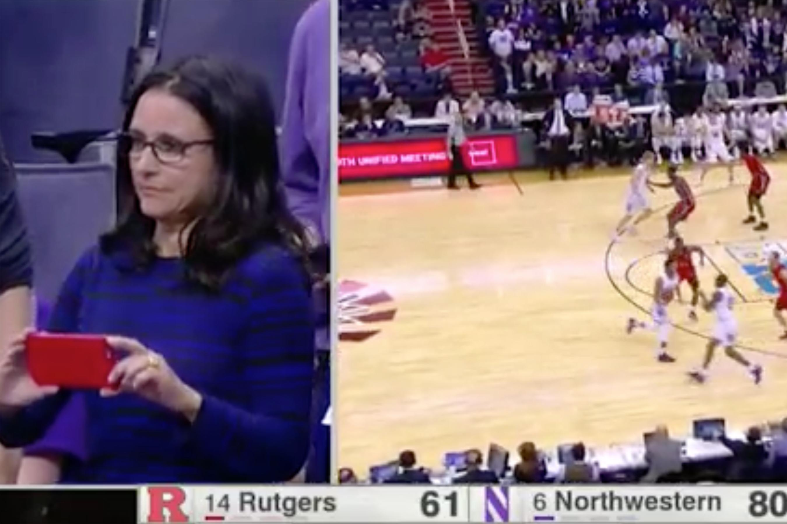 Watch julia louis dreyfus cheer on her son in college for Where did julia louis dreyfus go to college