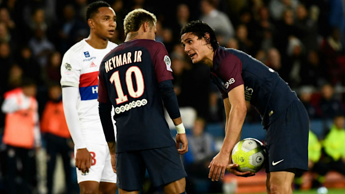 Neymar, Cavani reportedly refuse to halt feud