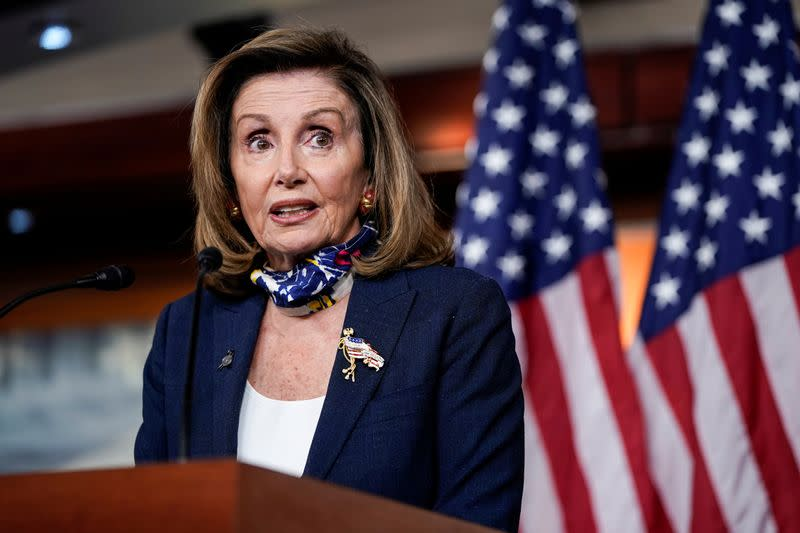 U.S. lawmakers committed to stay until they reach a coronavirus relief deal, Pelosi says