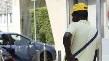 Ruba al supermercato, ladro bloccato da immigrato