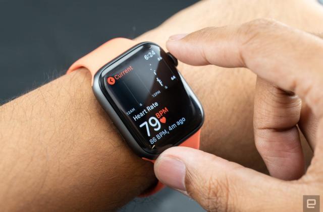 New York doctor sues Apple over irregular heartbeat detection