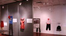 Víctimas de abusos sexuales exponen la ropa que llevaban para mandar un poderoso mensaje